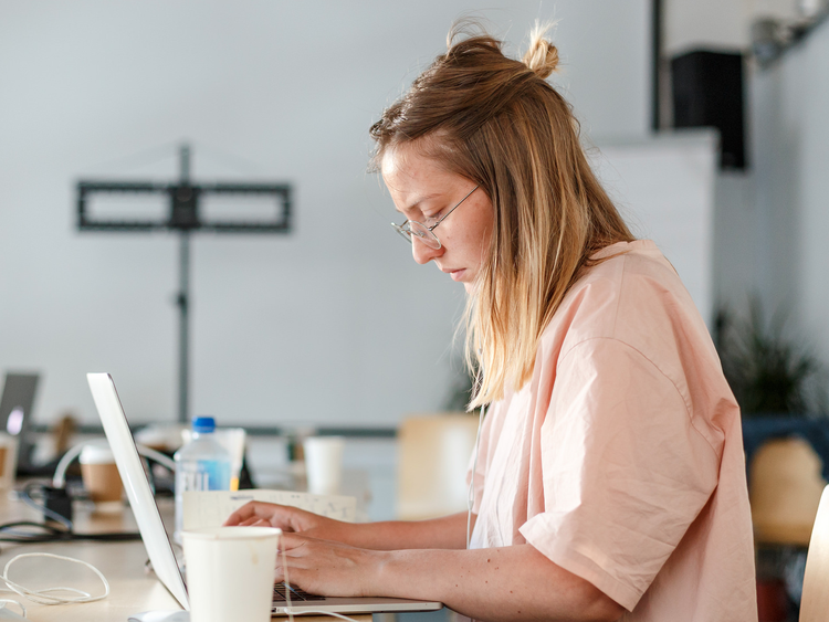High-Paying Work-From-Home Jobs That Don't Require a Bachelor's Degree